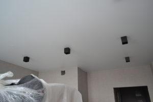 белый матовый натяжной потолок харьков