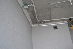 до установки потолка